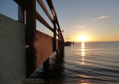 Richtung Sonnenaufgang: Sonnenaufgang bei der Dahmer Seebrücke